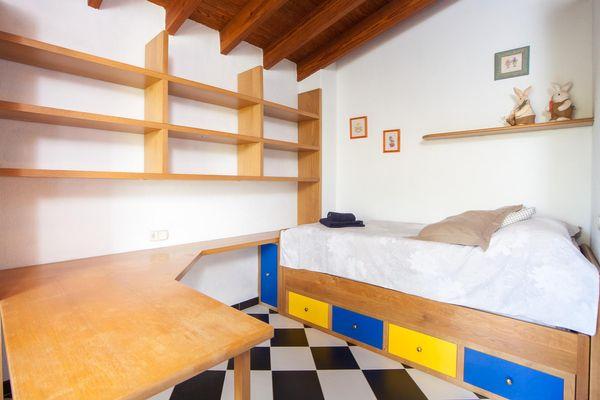 Einzel-Schlafzimmer mit zusätzlichem Ausziehbett