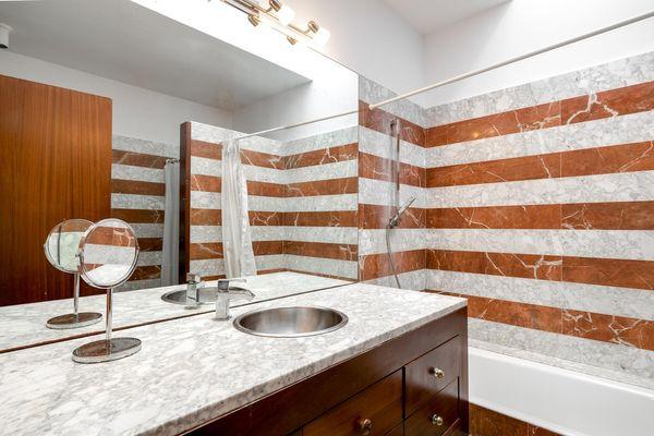 En suite Badezimmer mit tollen Fliesen