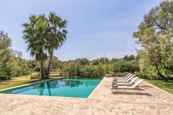 Schönes Anwesen mit Pool