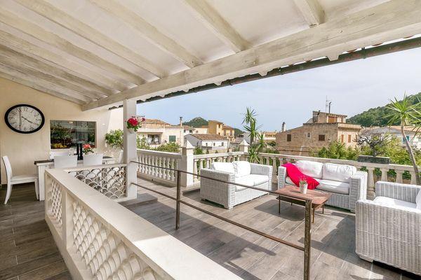 Terrasse mit Lounge-Bereich