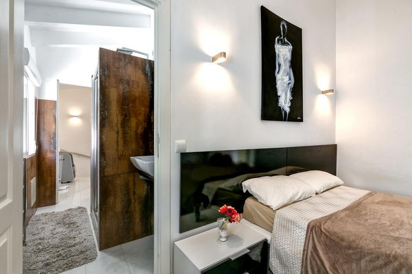 Weiteres Schlafzimmer mit en-suit Bad mit Dusche
