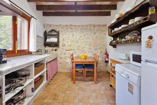 Küche im mallorquinischen Stil