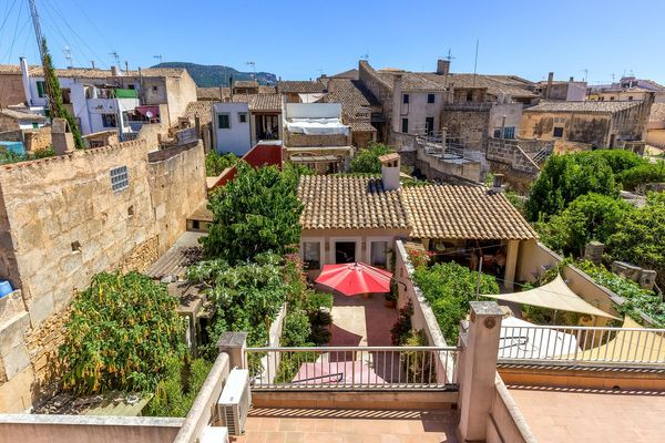 Idylischer Blick auf typisch mallorquinische Häuser