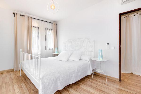 Freundliches bequemes Schlafzimmer