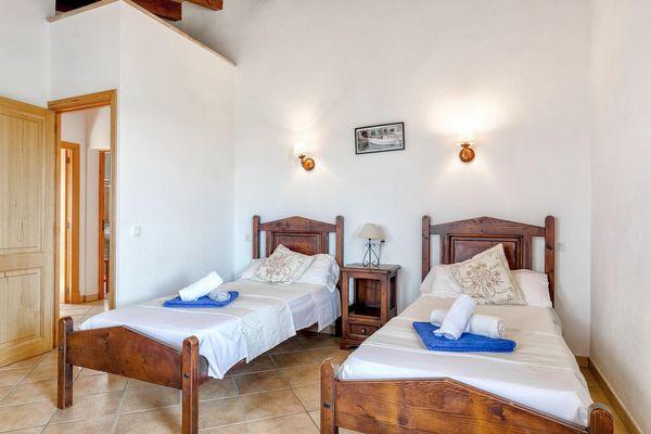 Viertes Schlafzimmer mit 2 Einzelbetten