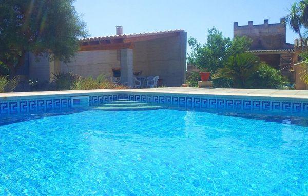 Grosser Pool zum erfrischen