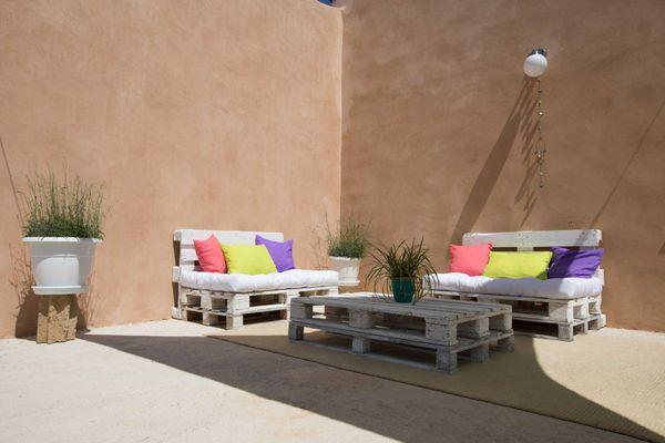 Gemütliche Sitzecke im Freien