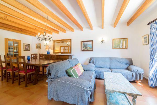 Corona - Wohn- und Esszimmer