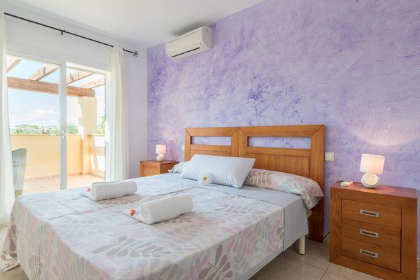Ganxo - Schlafzimmer mit Doppelbett