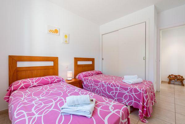 Ganxo - Schlafzimmer mit zwei Einzelbetten