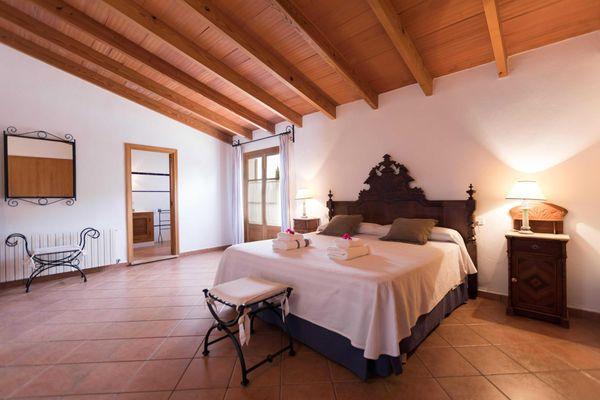 Morey - Schlafzimmer mit Doppelbett