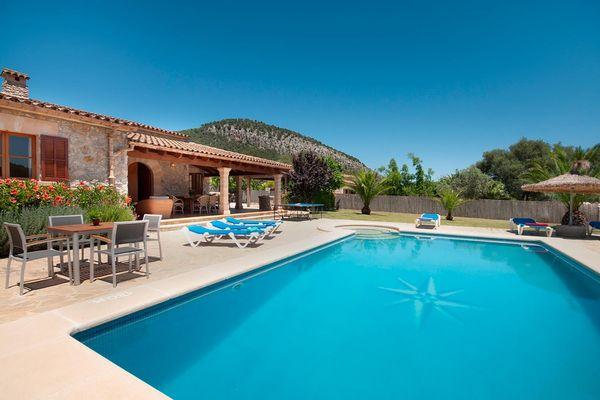Finca Apostol Nou with pool