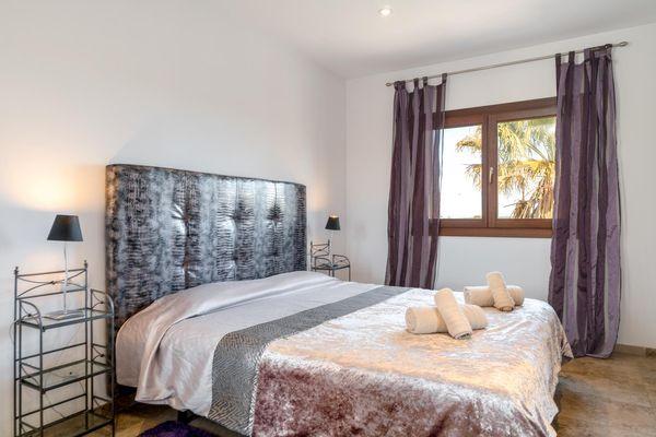 Gemütliches Doppelbettschlafzimmer