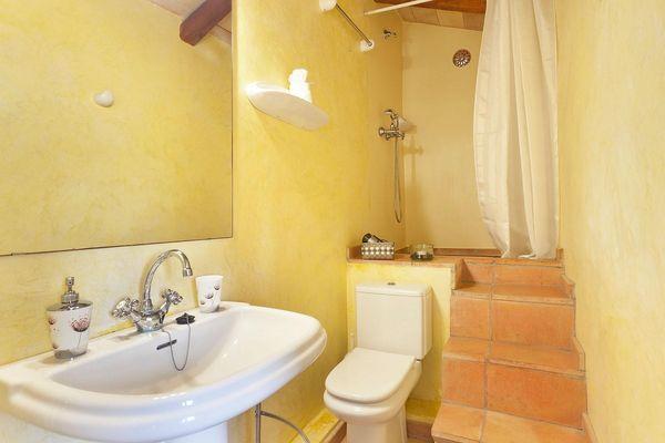 Gelbes Badezimmer