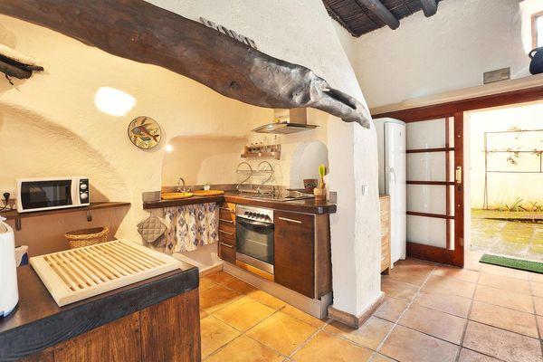 Offene Küche in mallorquinischem Charme